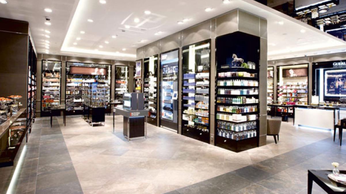 Alman kozmetik devi Douglas, Avrupa'daki 500 mağazasını kapatacak