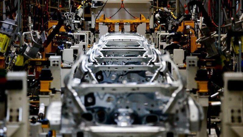 Otomotiv sanayisinin üretimi ocakta azaldı