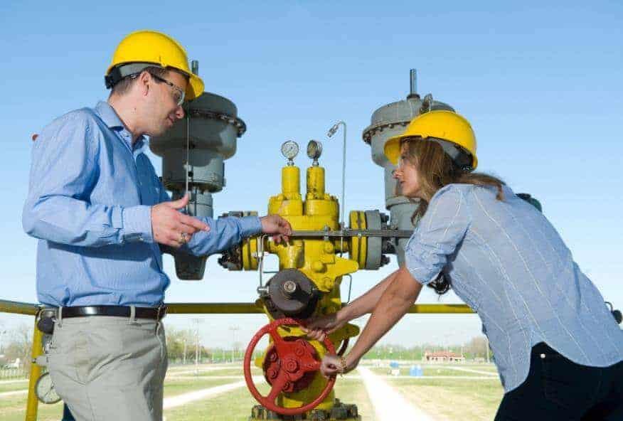 Petrol Mühendisi Nasıl Olunur? Petrol Mühendisi Maaşları Ne Kadar?