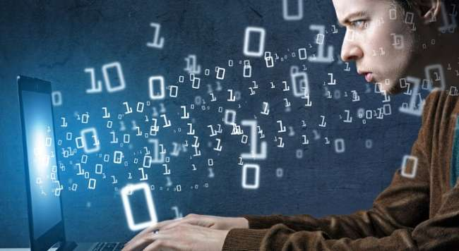 Nasıl Yazılım Mühendisi Olunur ve Yazılım Mühendisi Maaşları Ne Kadar ?