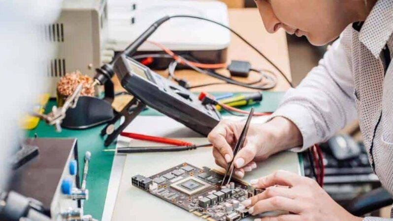 Nasıl Elektrik Mühendisi Olunur? Maaşları Ne Kadar? 2021