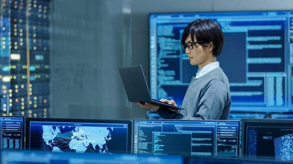 Ağ ve Siber Güvenlik Uzmanı Nasıl Olunur, Ne İş Yapar? Maaşı Ne Kadar?